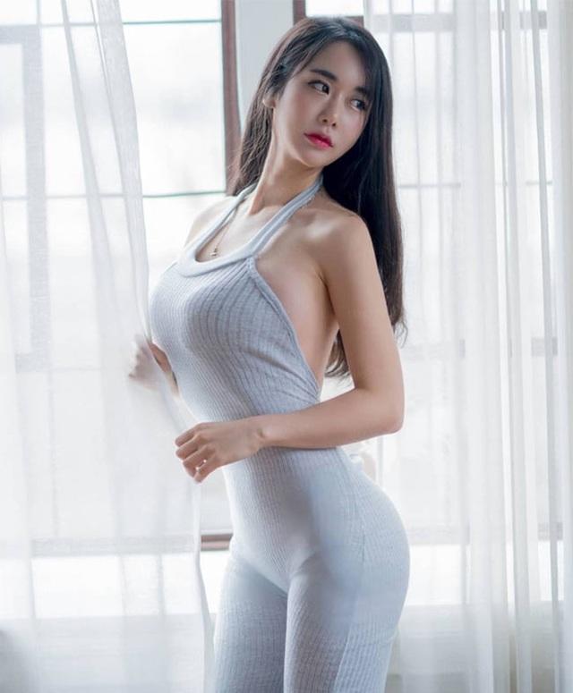 Không cần hở hang, chỉ mặc jean cô gái Hàn cũng khoe được đường cong thần thánh - 5..jpg