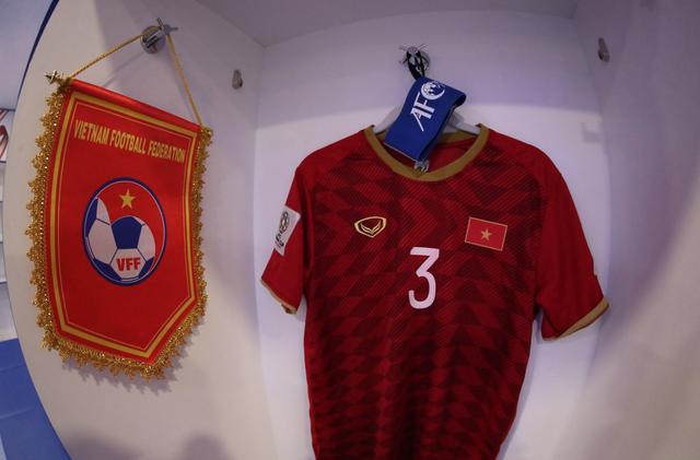 Việt Nam 0-1 Nhật Bản: Thua trong thế ngẩng cao đầu - 15