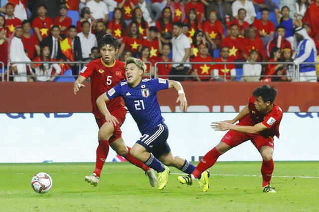 Việt Nam 0-1 Nhật Bản: Thua trong thế ngẩng cao đầu - 3