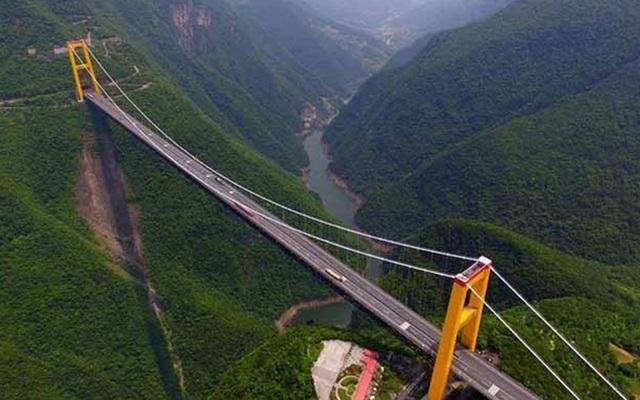 """Những """"cây cầu đáng sợ nhất"""" thế giới, trong đó có cầu khỉ Việt Nam  - 1"""