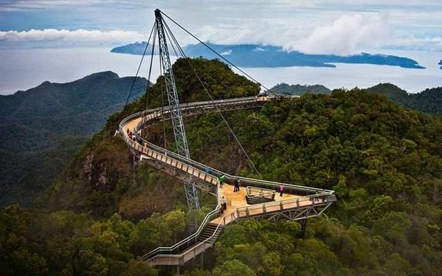 """Những """"cây cầu đáng sợ nhất"""" thế giới, trong đó có cầu khỉ Việt Nam  - 8"""