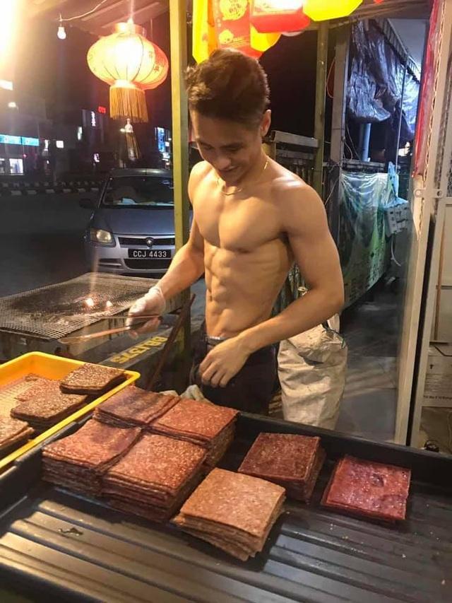 Cửa hàng thịt gây sốt sau một đêm nhờ thanh niên 6 múi bán hàng - 2