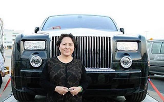 Bà Dương Bạch Diệp từng nói gì về siêu xe Rolls Royce Phantom BKS 77L-7777? - 1