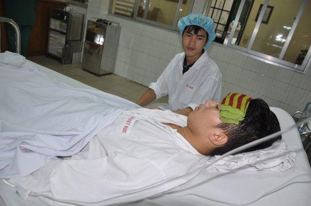 Nụ cười của chàng trai trẻ dân tộc Dao được cứu sống nhờ tấm lòng bạn đọc báo Dân trí - 2