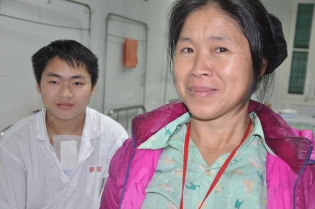 Nụ cười của chàng trai trẻ dân tộc Dao được cứu sống nhờ tấm lòng bạn đọc báo Dân trí - 6