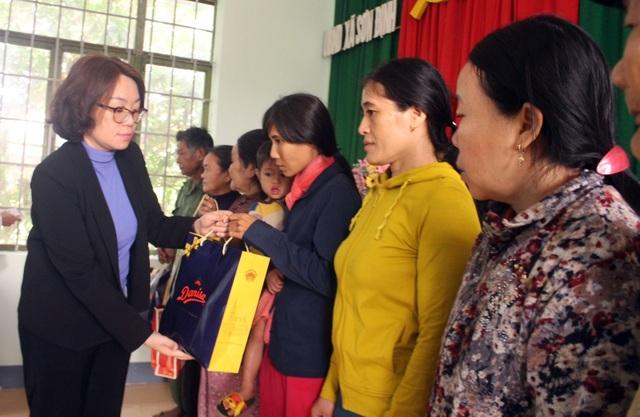 Trích 11,2 tỷ đồng chăm lo cho các gia đình chính sách ở Phú Yên - 1