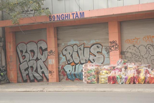 ve graffiti o tuong nha Dan.JPG