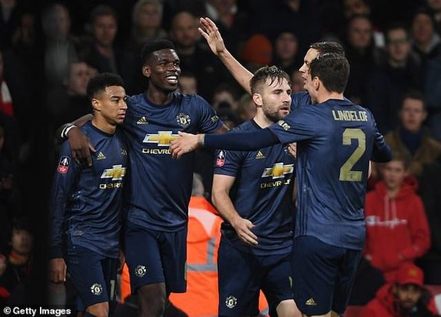 Arsenal 1-3 Man Utd: Dấu ấn của Sanchez, Lingard và Martial - 2