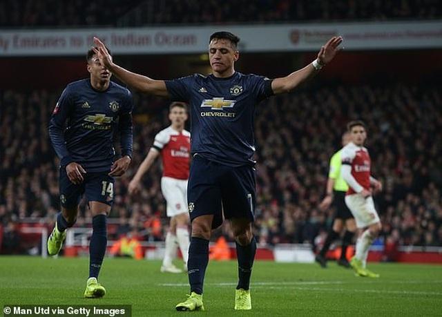 Arsenal 1-3 Man Utd: Dấu ấn của Sanchez, Lingard và Martial - 1