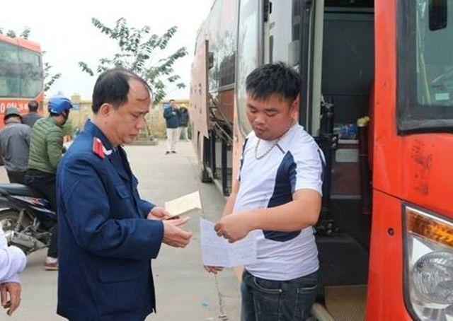 Phát hiện tài xế đang điều khiển xe tải dương tính với ma túy - 4