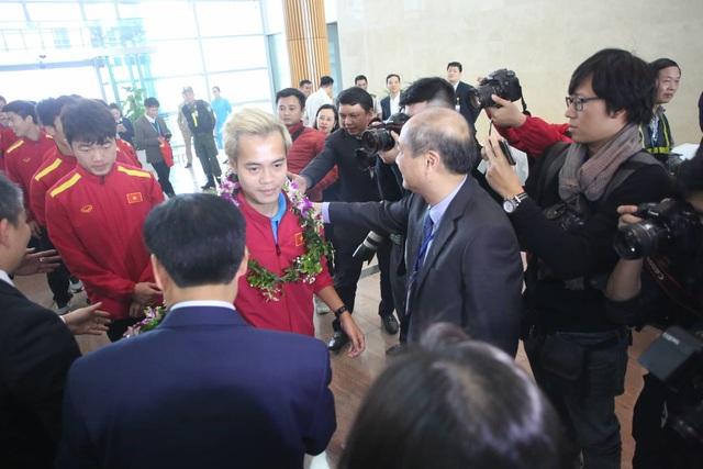 Đội tuyển Việt Nam được vinh danh ở sân bay Nội Bài - 19