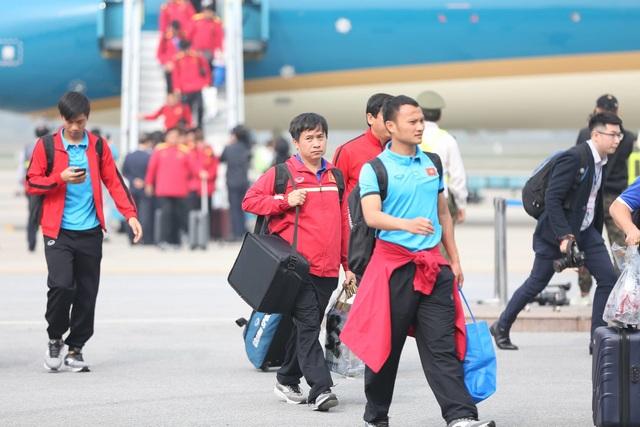 Đội tuyển Việt Nam được vinh danh ở sân bay Nội Bài - 5