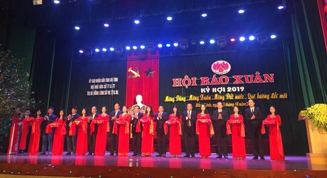 Hàng trăm đầu báo quy tụ tại Hội báo Xuân 2019 Hà Tĩnh - 1