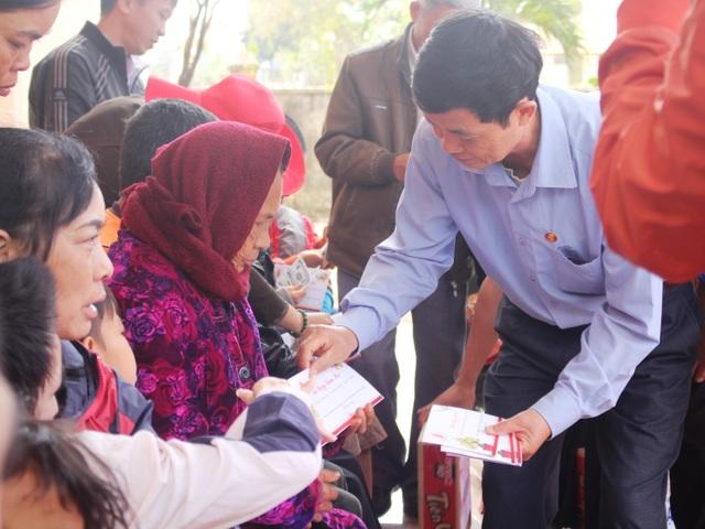 Báo Dân trí mang Xuân ấm đến với người nghèo tỉnh Gia Lai - 4