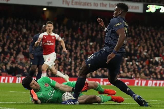 Nhìn lại chiến thắng của Man Utd trước Arsenal - 11