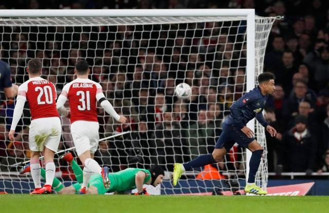 Nhìn lại chiến thắng của Man Utd trước Arsenal - 15