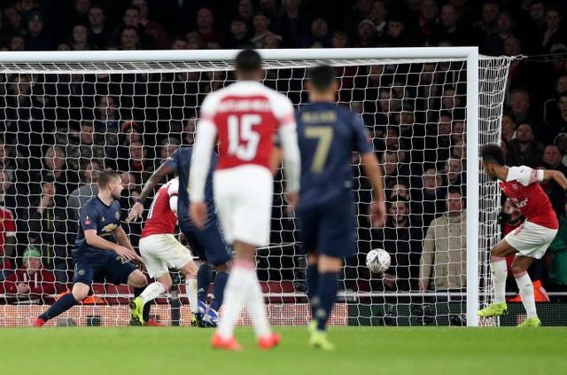 Nhìn lại chiến thắng của Man Utd trước Arsenal - 16