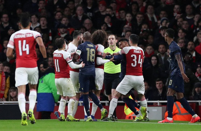 Nhìn lại chiến thắng của Man Utd trước Arsenal - 23
