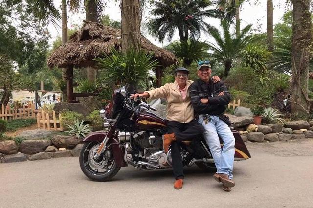 Chi tiền tỷ mua xe máy: Học làm dân chơi không dễ - 4