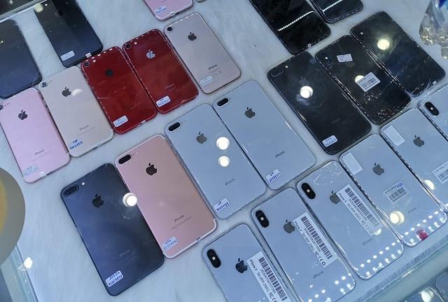 Sức mua smartphone cao cấp mùa Tết tăng chậm, khách hàng chuộng điện thoại cũ  - 2