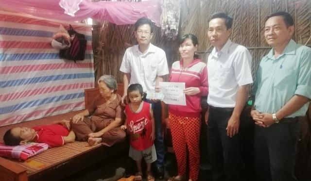 Bạn đọc giúp gia đình anh Nguyễn Phước Lập hơn 75 triệu đồng - 1