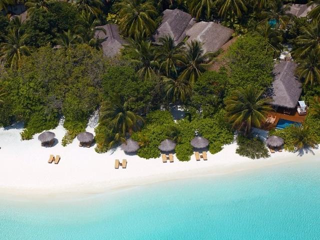 Khu nghỉ dưỡng giữa biển giá 57 triệu/đêm có gì hay mà giới siêu giàu đổ xô tới? - 1