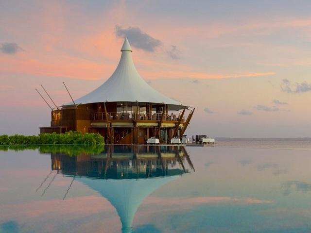 Khu nghỉ dưỡng giữa biển giá 57 triệu/đêm có gì hay mà giới siêu giàu đổ xô tới? - 17