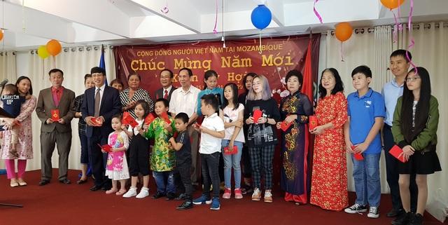Tưng bừng Tết sớm của Cộng đồng người Việt tại Mozambique  - 2