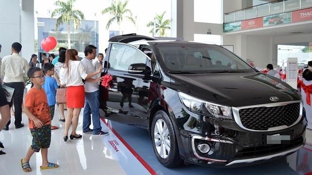 Thị trường xe - Sát tết bất ngờ ế: Đại lý bán tháo, ô tô đồng loạt giảm giá