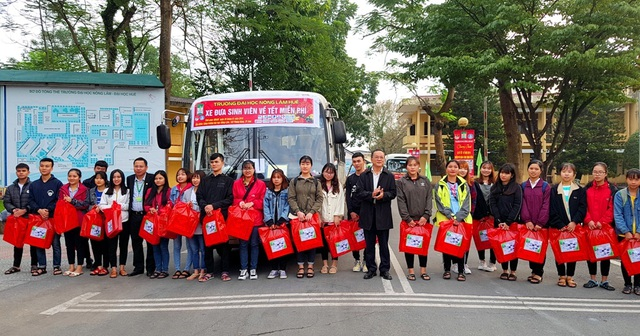 Sinh viên Nông lâm được tặng trứng gà kèm chuyến xe về quê đón Tết - 3
