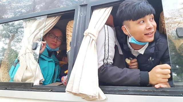 Sinh viên Nông lâm được tặng trứng gà kèm chuyến xe về quê đón Tết - 11