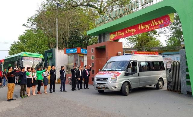 Sinh viên Nông lâm được tặng trứng gà kèm chuyến xe về quê đón Tết - 16