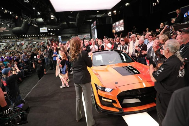 a6163dea-2020-ford-mustang-shelby-gt500-auction-2-768x512.jpg
