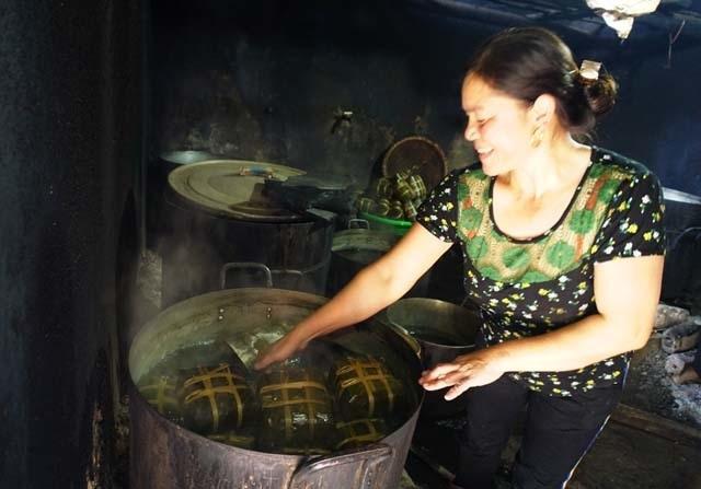Làng bánh chưng Vĩnh Hòa: Mỗi ngày chợp mắt 2 tiếng để kịp giao hàng  - 7