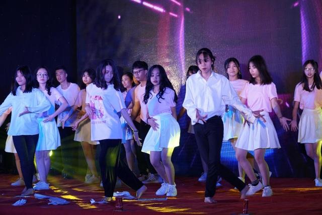 Teen trường Yên Hoà háo hức chào Xuân 2019 với những bản nhạc tuổi thanh xuân - 4