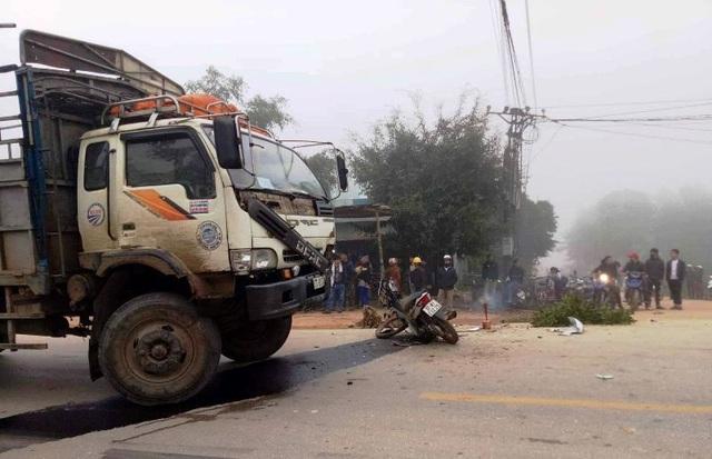 Hiện trường vụ tai nạn khiến nam thanh niên tử vong tại chỗ.