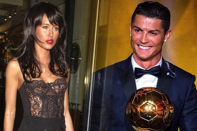 """Khám phá về Jasmine Lennard - Tình cũ đang khiến C.Ronaldo """"điêu đứng"""" - 3"""