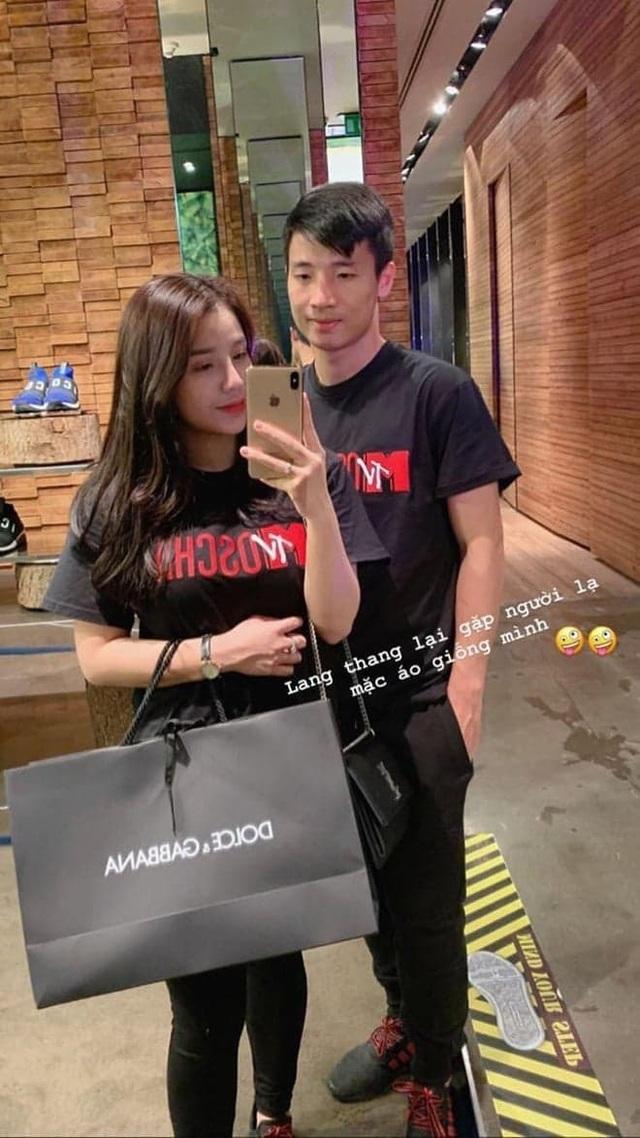 Bạn gái tuyển thủ Việt Nam - Người hạnh phúc bên bạn trai, người khoe quà được tặng hậu Asian Cup - 8