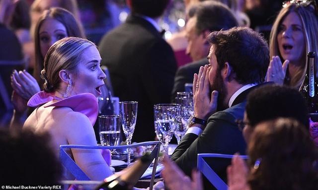Chồng Emily Blunt rưng rưng lệ khi vợ nhận giải SAG - 3