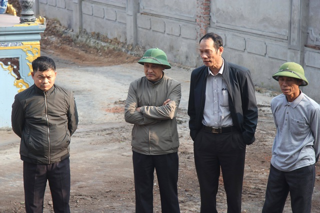 Cận cảnh buổi chặt hạ cây sưa trăm tỷ ở Hà Nội - 3
