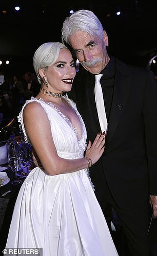 Lady Gaga tình tứ bên bạn trai hơn 18 tuổi  - 8