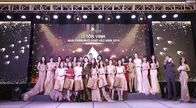 Ca sĩ Văn Mai Hương, Thanh Duy idol cùng đại náo tại sự kiện I'm Nature - Year End Party 2018 - 3