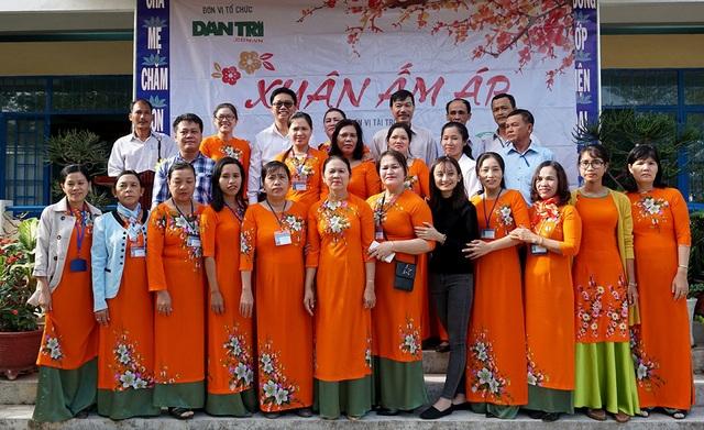 """""""Xuân ấm áp"""" về với học sinh khó khăn ở Ninh Thuận - 6"""