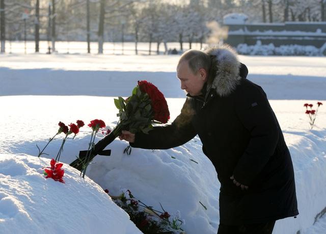 Xe tăng Nga diễu binh rầm rộ kỷ niệm 75 năm chiến thắng Leningrad - 2