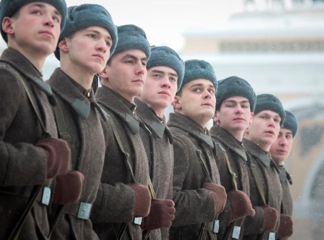 Xe tăng Nga diễu binh rầm rộ kỷ niệm 75 năm chiến thắng Leningrad - 6