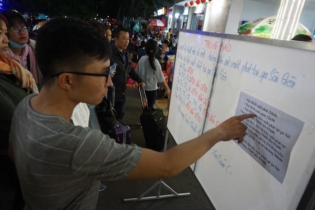 Hàng nghìn người vật vã nằm chờ tàu ở ga Sài Gòn - 3