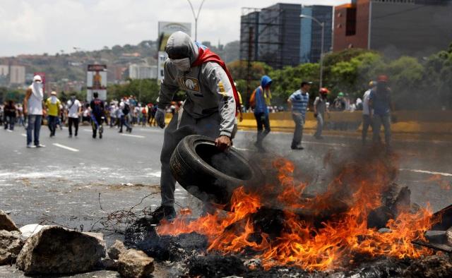 Lá bài Mỹ có thể tung ra trong cuộc khủng hoảng tại Venezuela - 3