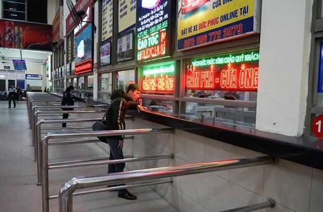 Hà Nội: Nhà xe kêu trời vì cận Tết vẫn vắng khách - 2
