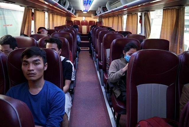 Hà Nội: Nhà xe kêu trời vì cận Tết vẫn vắng khách - 3
