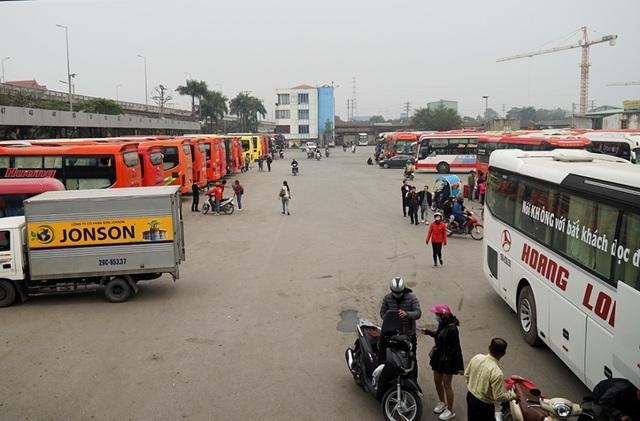 Hà Nội: Nhà xe kêu trời vì cận Tết vẫn vắng khách - 8